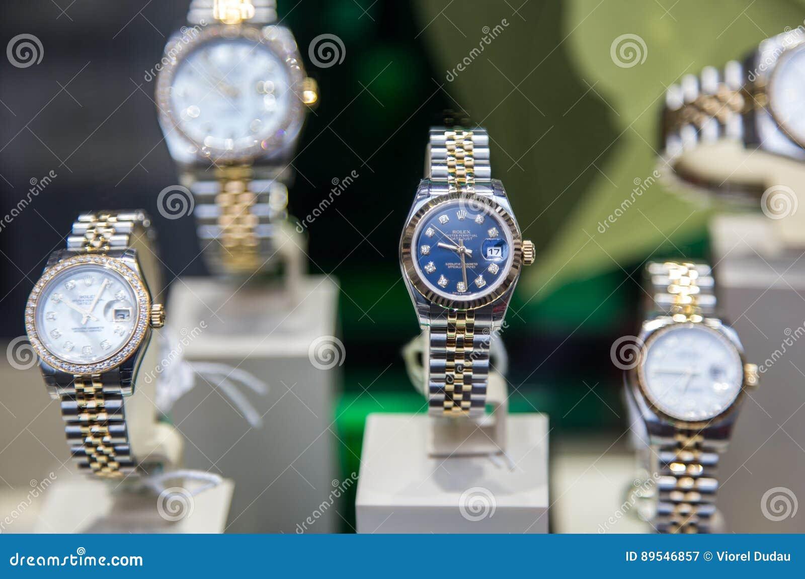 1b9dc3260862c9 Rolex fatto svizzero orologio costoso è visualizzato per la vendita nel negozio  di lusso degli orologi