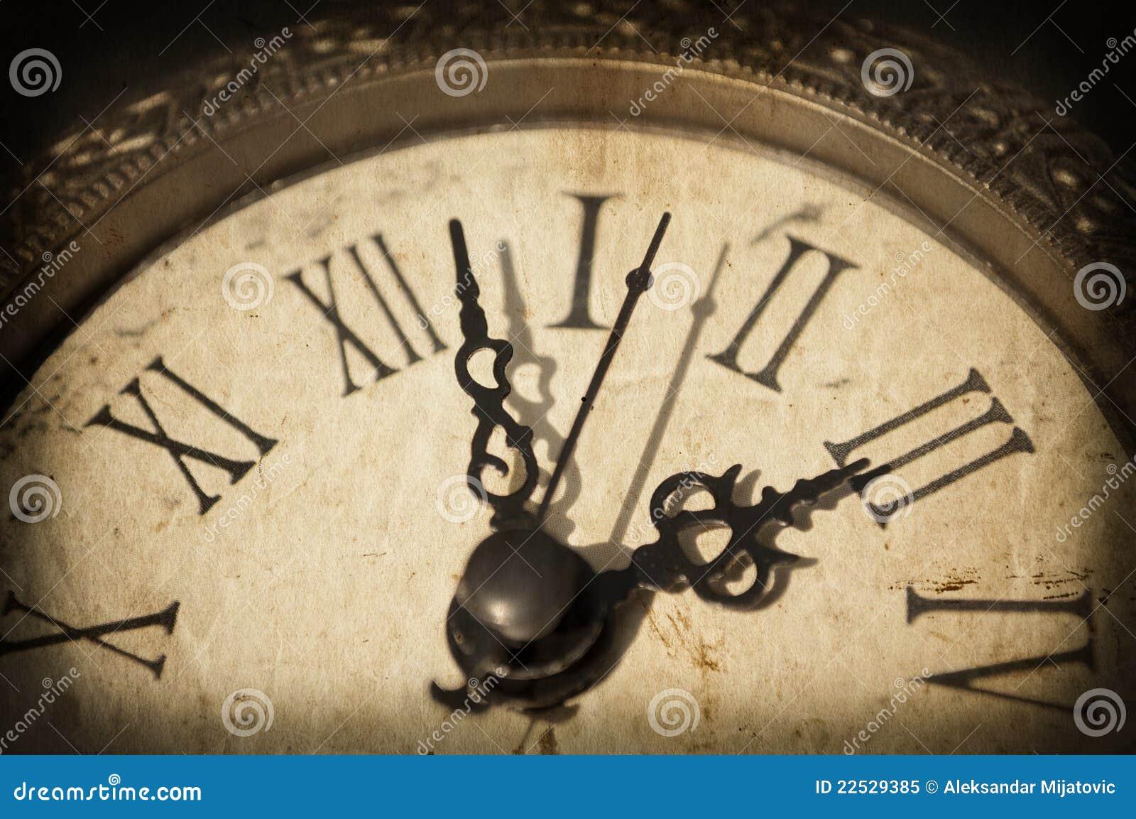 Orologio Antico Sulla Priorità Bassa Del Grunge Fotografia Stock ...