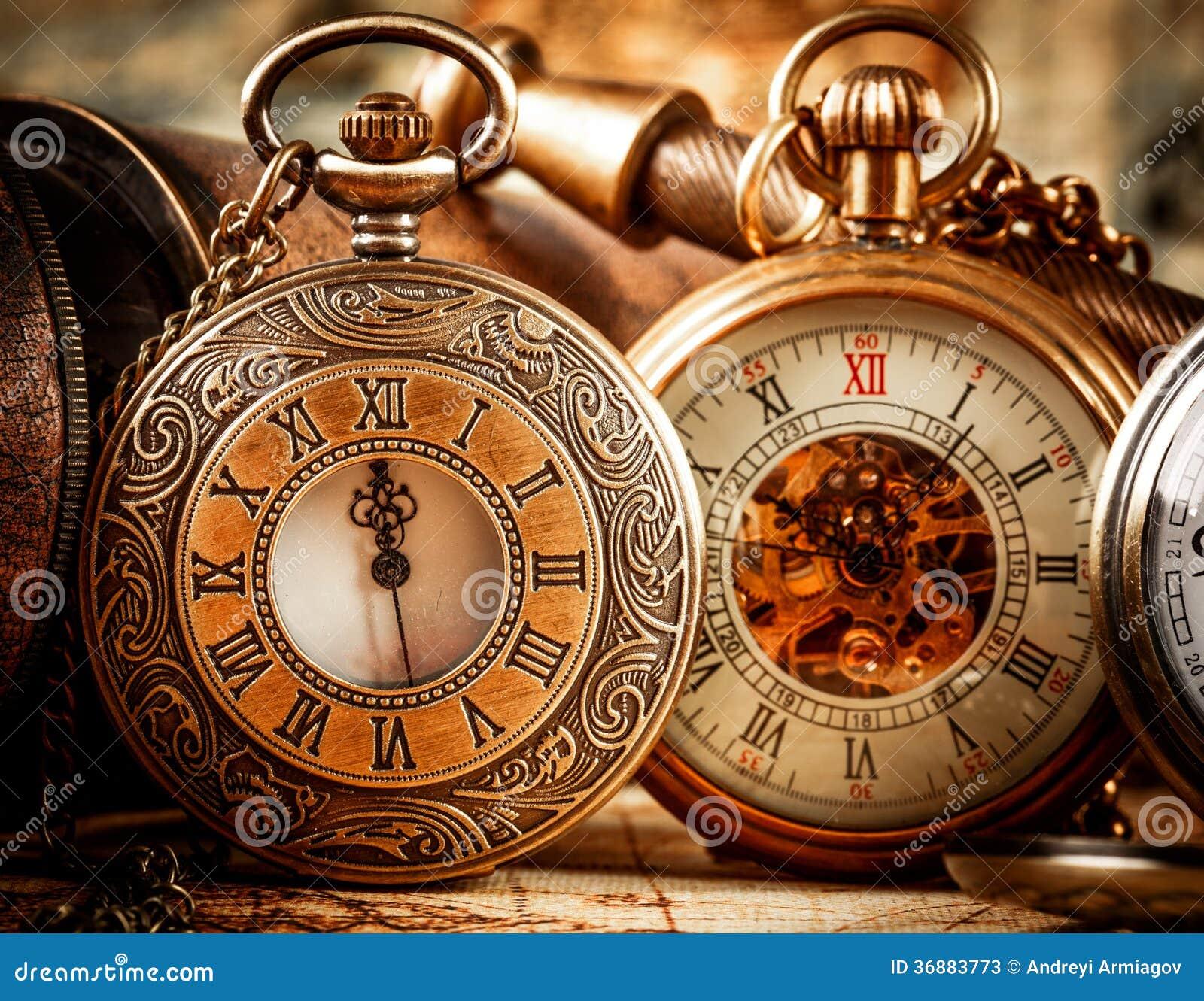 Download Orologio da tasca d'annata immagine stock. Immagine di memorie - 36883773