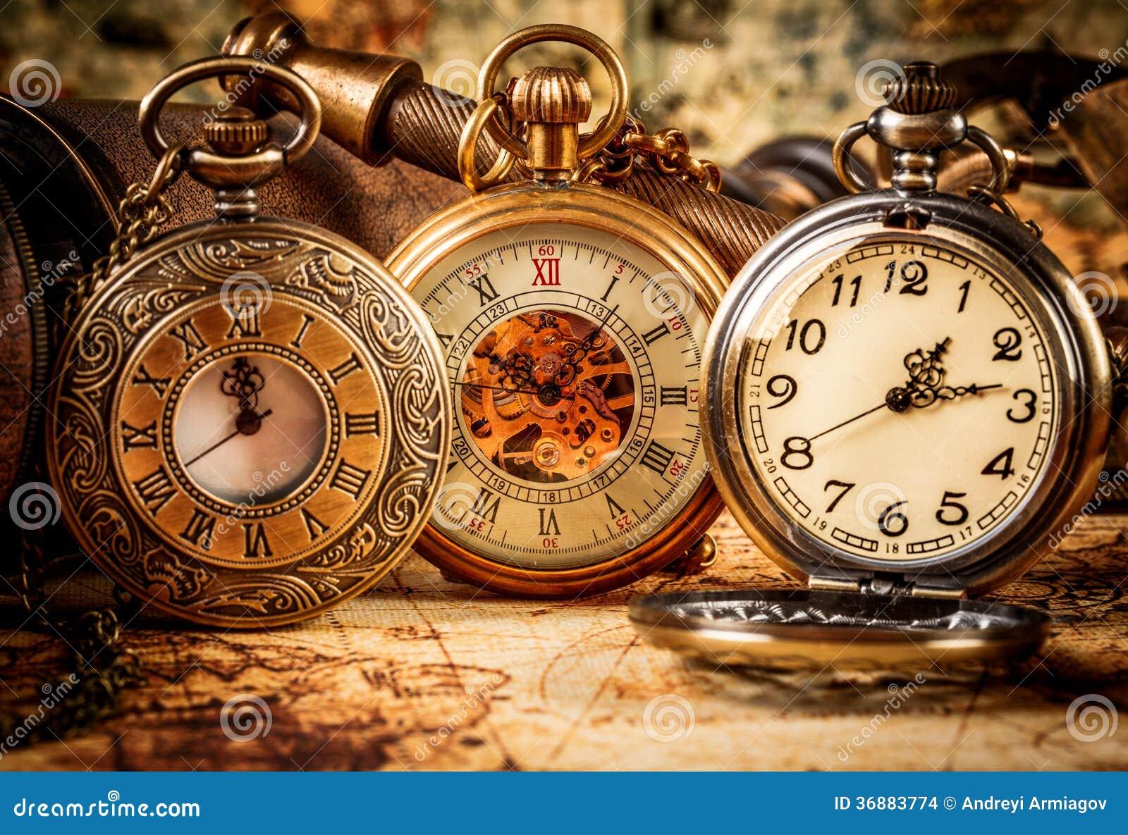 Download Orologio da tasca d'annata fotografia stock. Immagine di faccia - 36883774