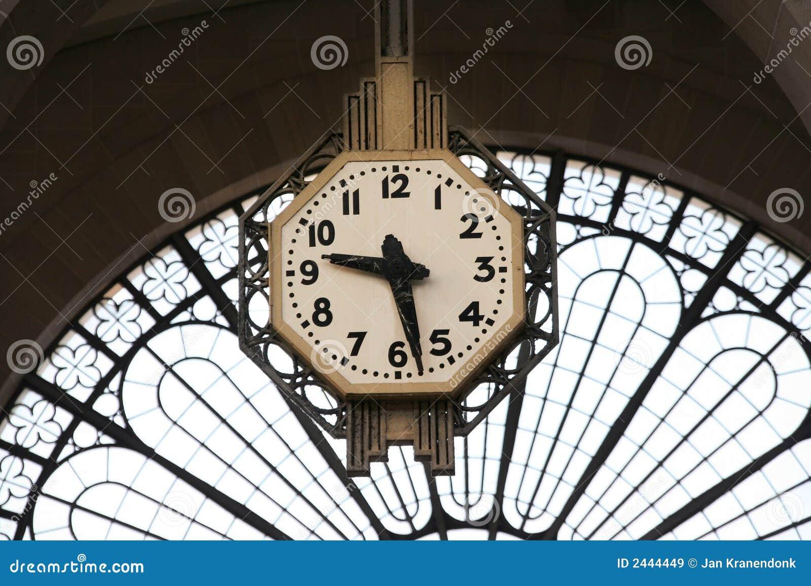 Orologio della stazione ferroviaria immagine stock for Orologio da stazione