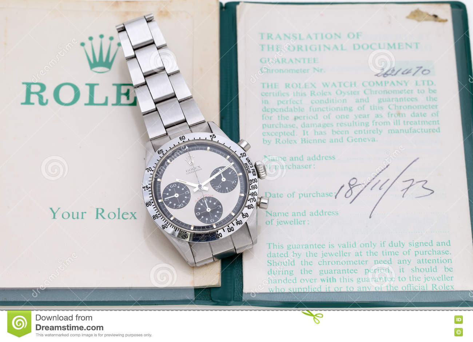0868adf378bfe2 Kagawa, Giappone - 14 giugno 2016: Orologio d'annata di daytona del  cosmograph di Rolex in una vetrina del annata-negozio su fondo bianco