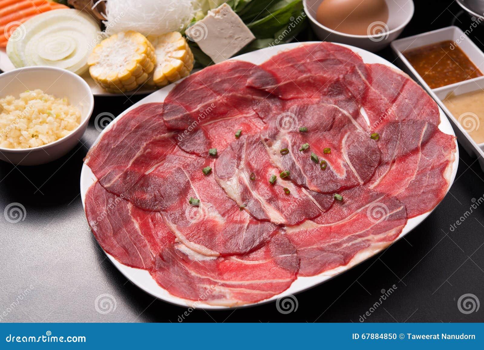 Os alimentos frescos para o shabu quente