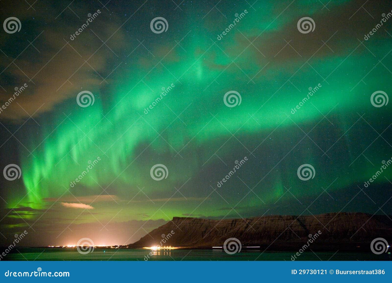 Aurora Borealis em Islândia