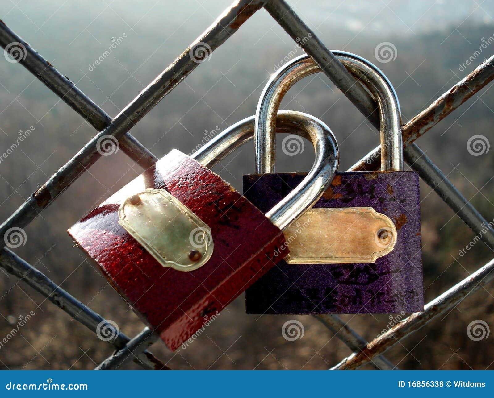 Os cadeado do amante da promessa