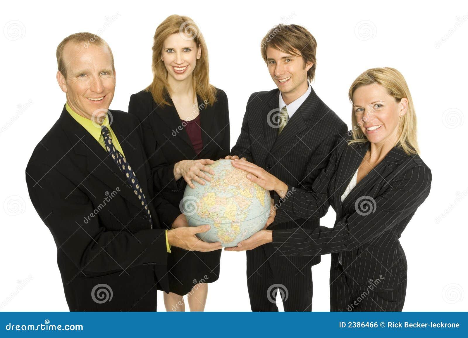 Os executivos prendem um globo