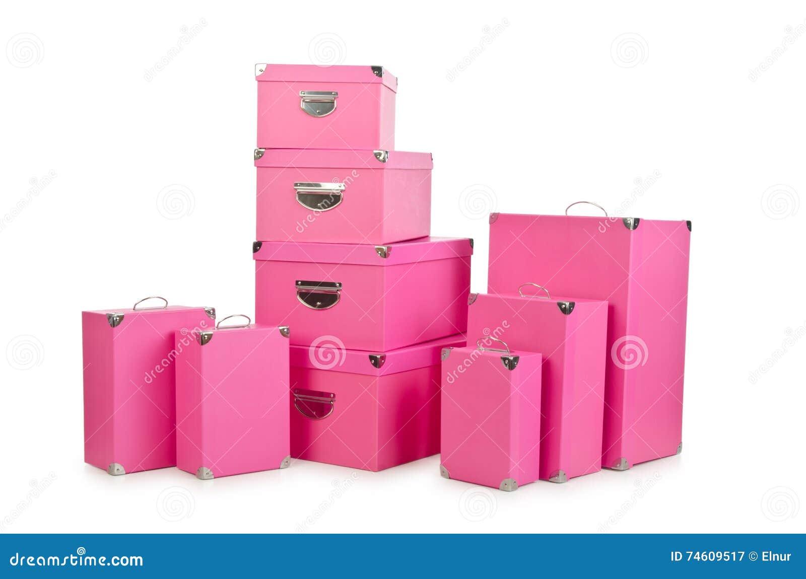 Os giftboxes cor-de-rosa isolados no branco