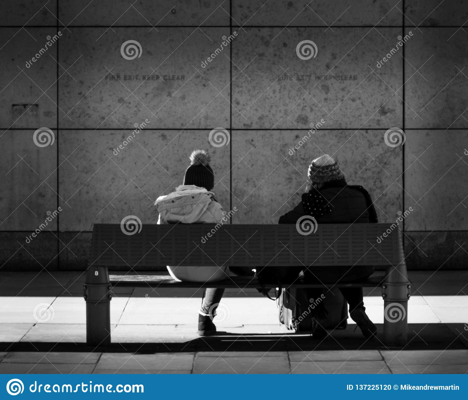 Os observadores da parede