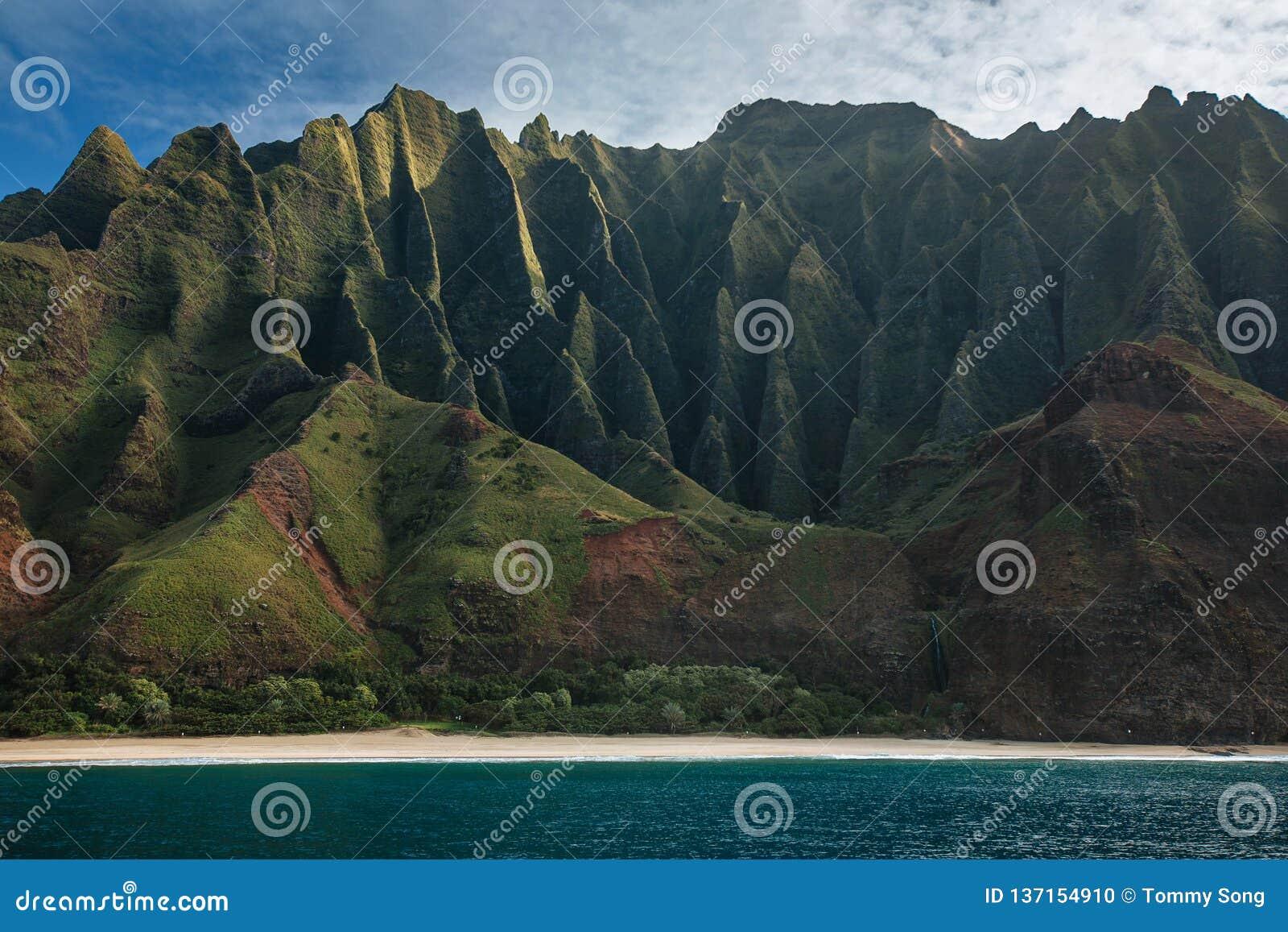 Os penhascos da costa do Na Pali