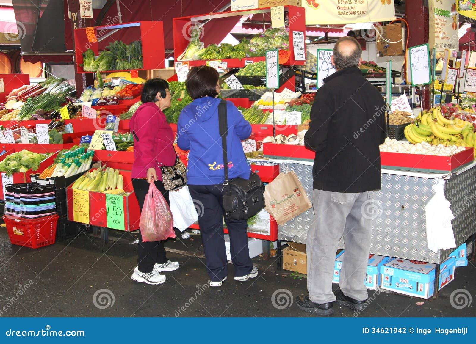 Os povos estão comprando na rainha Victoria Market mim