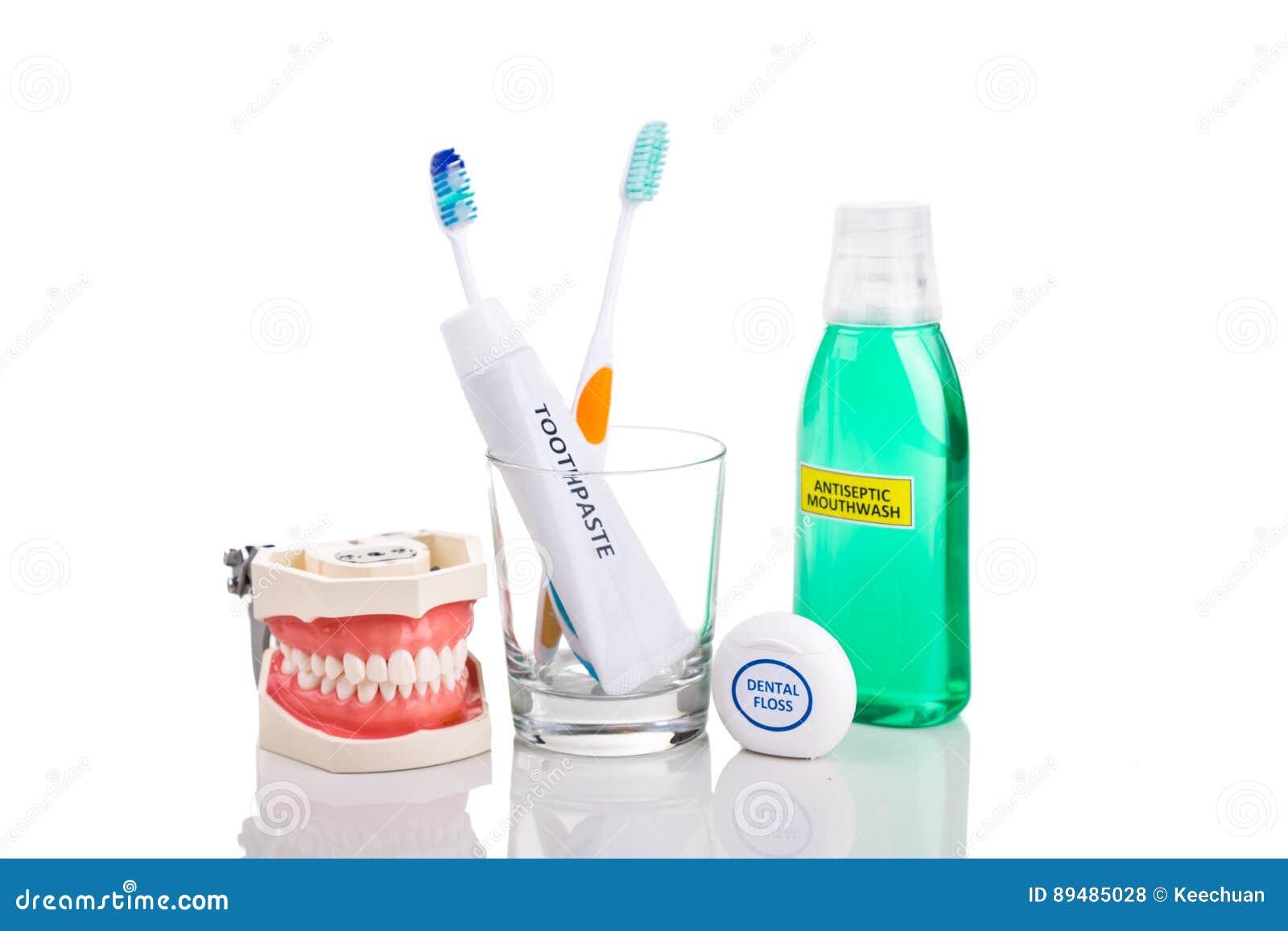 0408a85ef O delicado oral dos fundamentos do cuidado afilou a escova de dentes da  cerda