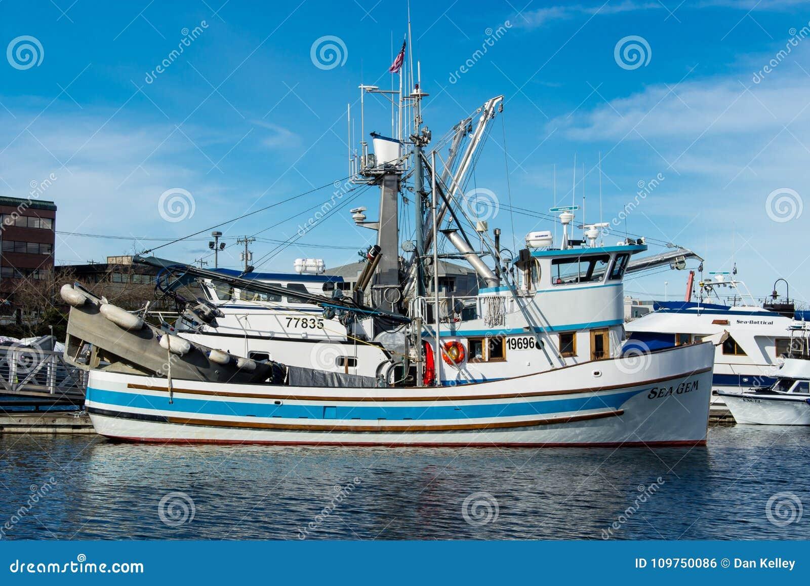 Os seiners de bolsa amarraram no terminal do ` s do pescador em Seattle Washington