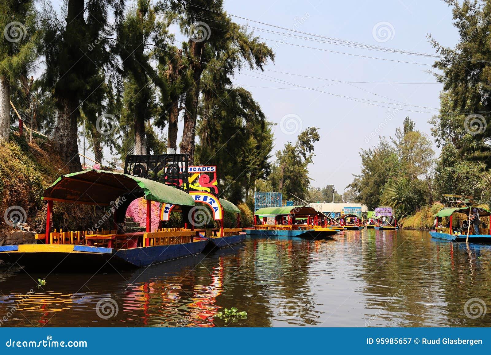 Os trjineras famosos do xochimilco, Cidade do México
