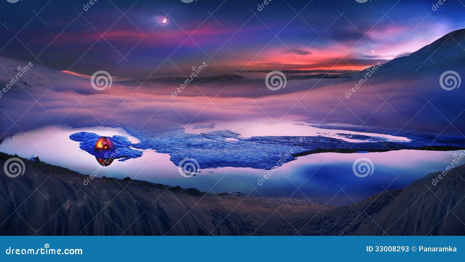 Os turistas passam a noite no gelo