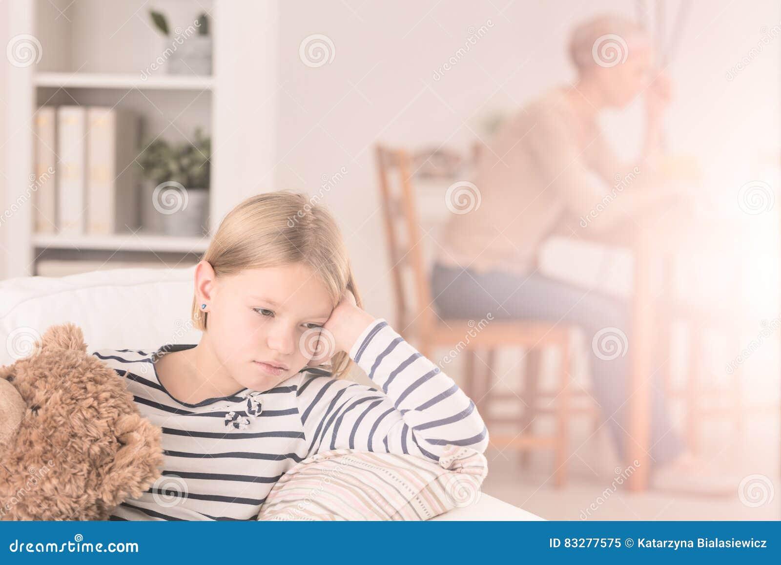 Osamotniona dziecka i bolączki matka