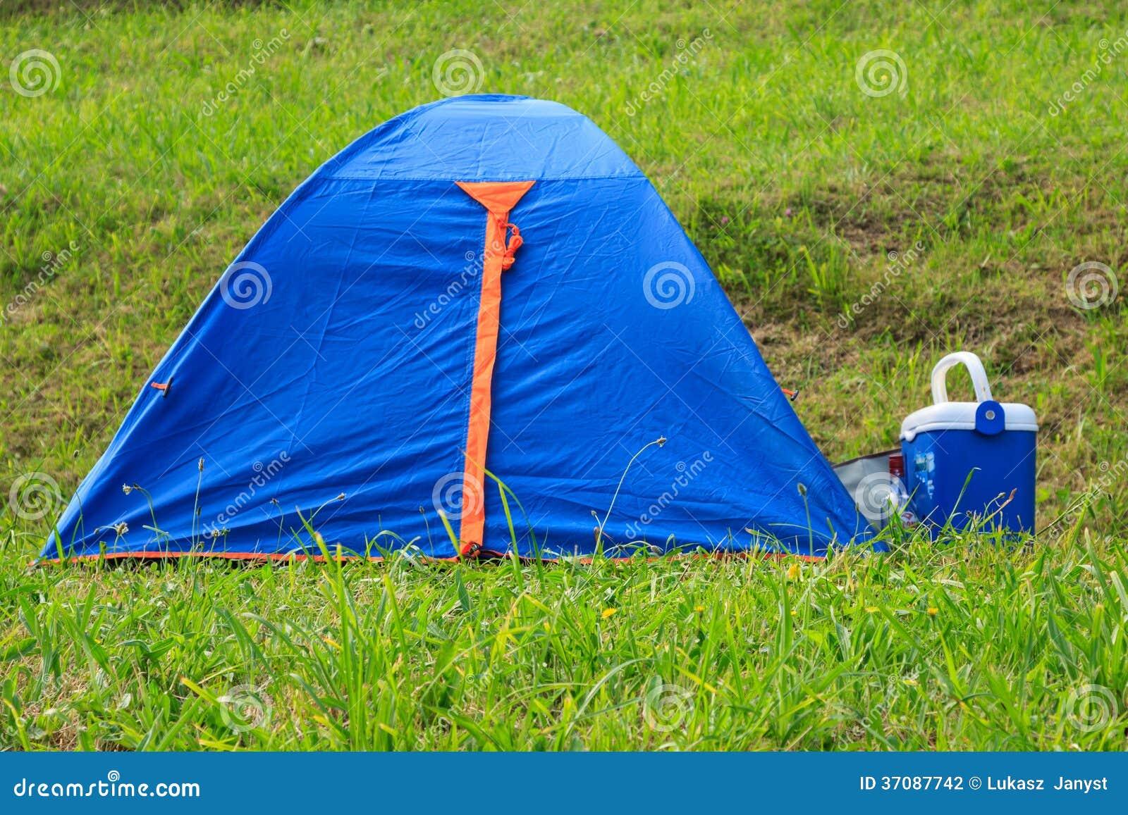 Download Osamotniony Campsite Na Dalekim Spain Wybrzeżu Zdjęcie Stock - Obraz złożonej z ocean, wyspa: 37087742