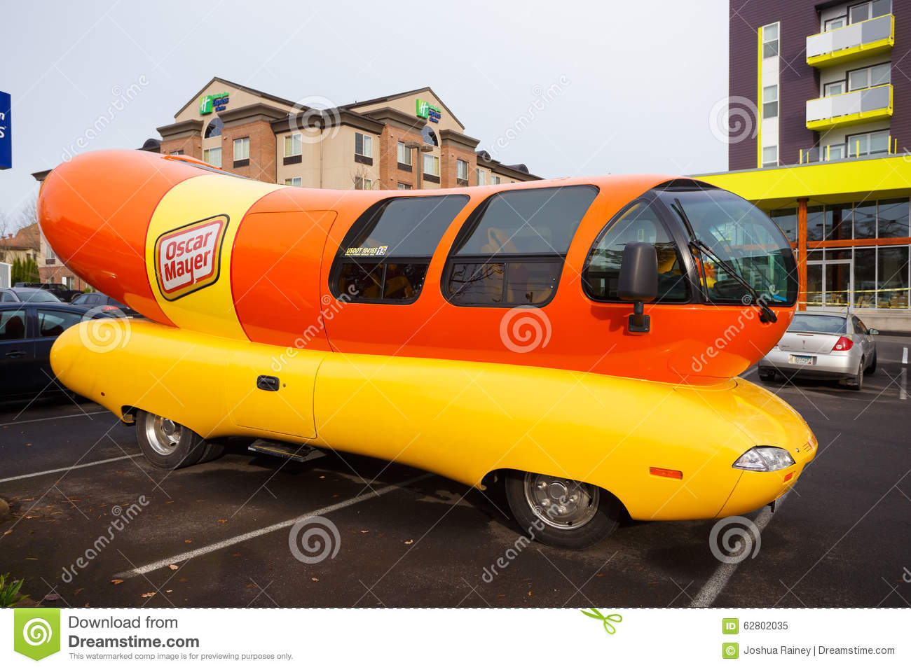 Watch also No Bologna Oscar Mayer Wienermobile Crashes Near Harrisburg in addition Strange Vehicles together with History Of American Food Trucks further Wienermobile Facts. on oscar mayer wiener wagon