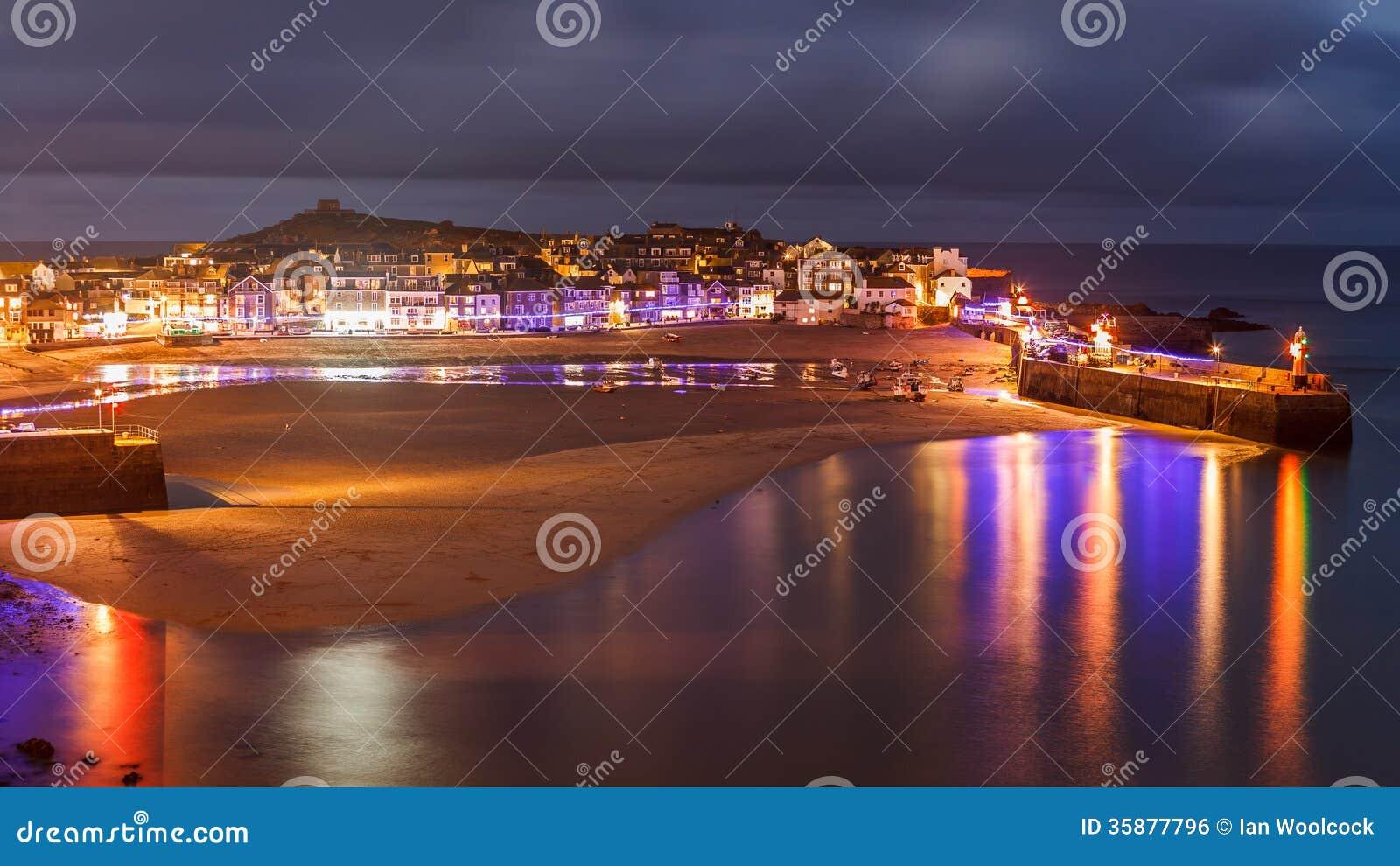 Oscuridad que pasa por alto St Ives Cornwall