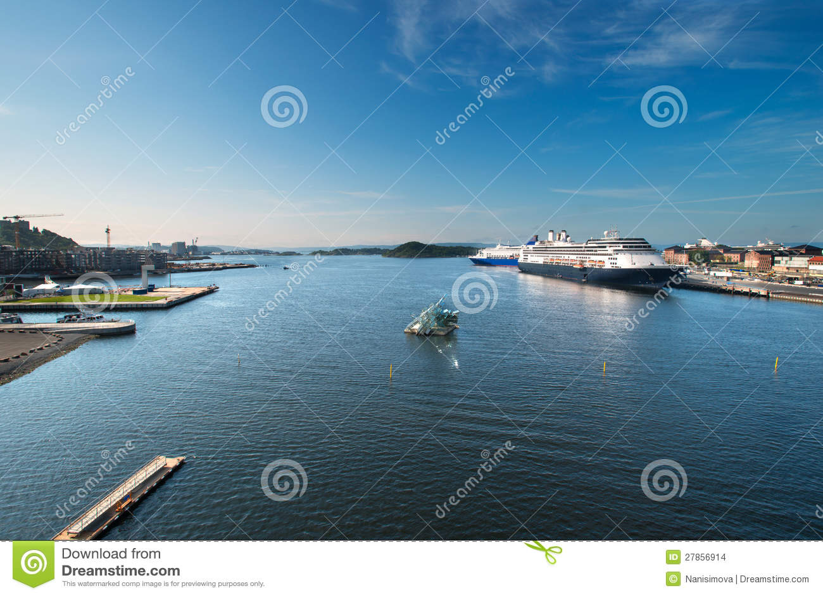 Oslo schronienie z statkami wycieczkowymi