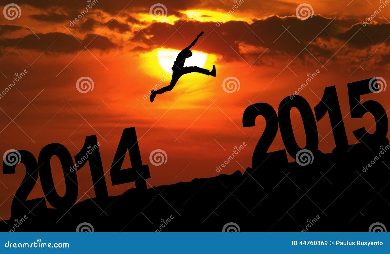 Osoba skacze nad 2015