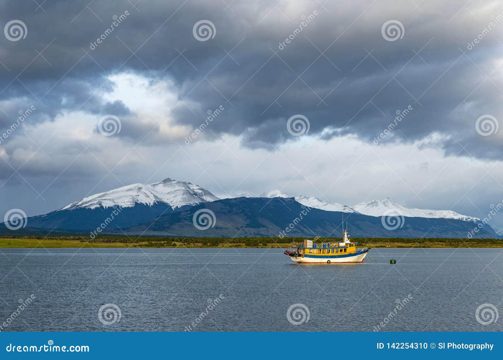 Ostatni nadzieja dźwięka krajobraz, Puerto Natales, Chile