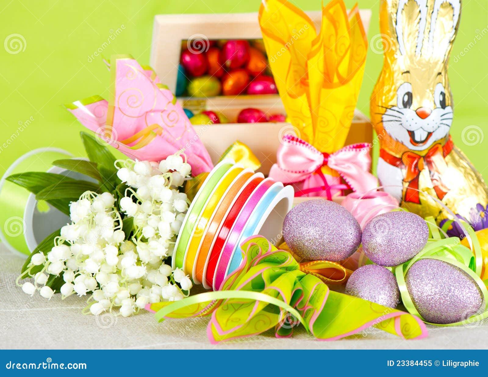 Ostern Dekoration Eier Und Blumen Lizenzfreies Stockfoto