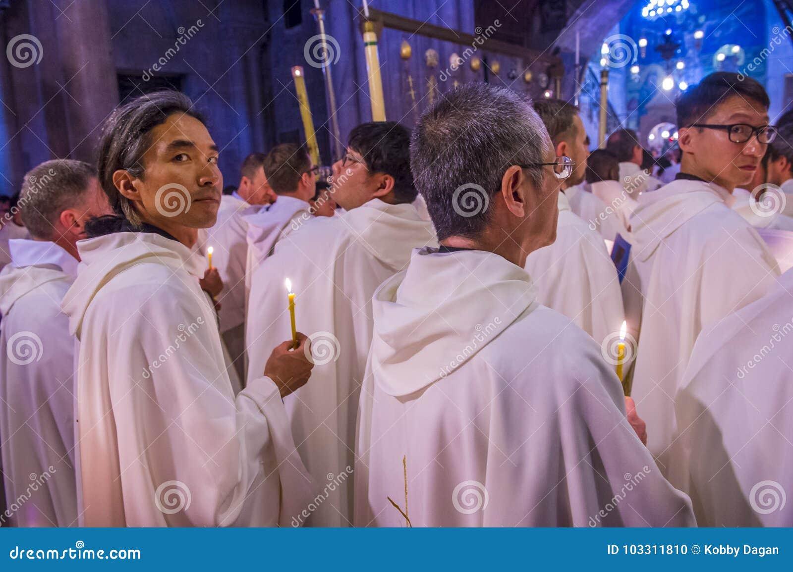 vom priester in der kirche gefickt