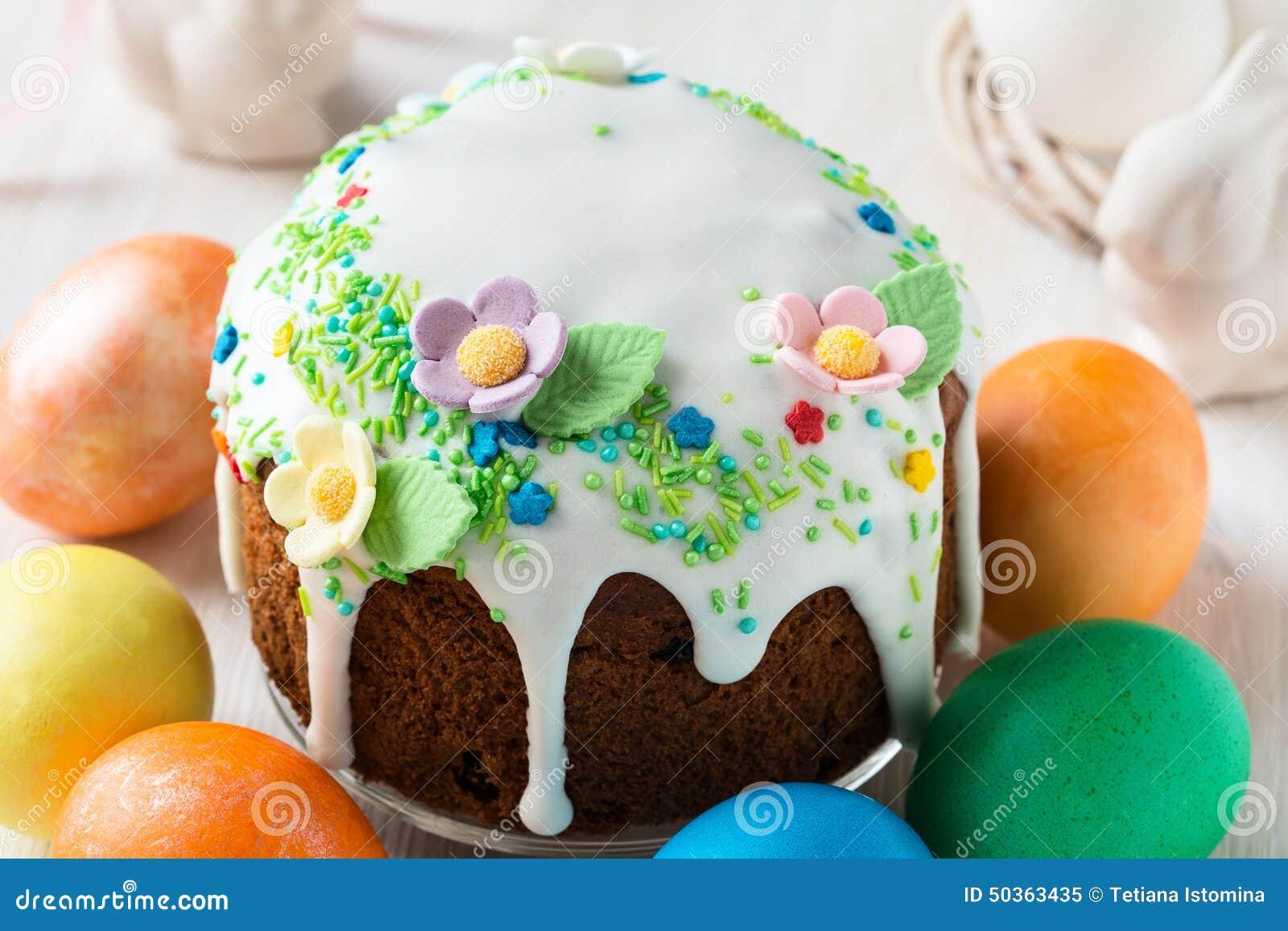Ostern Kuchen Mit Glace Zuckerglasur Und Dekoration Stockbild Bild