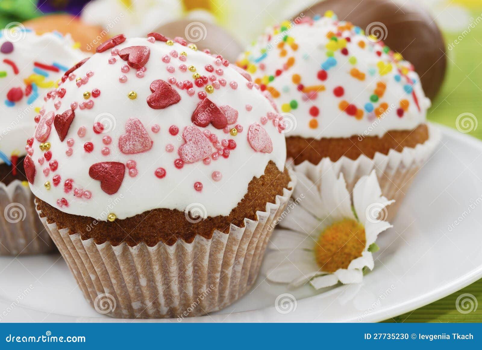 Ostern-Kuchen und SchokoladenOstereier