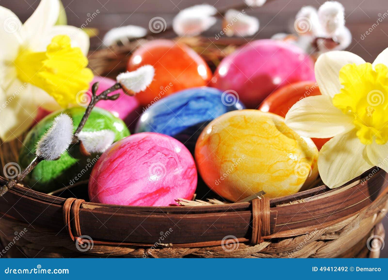 Download Ostern-Nest stockfoto. Bild von henne, jahreszeit, nest - 49412492