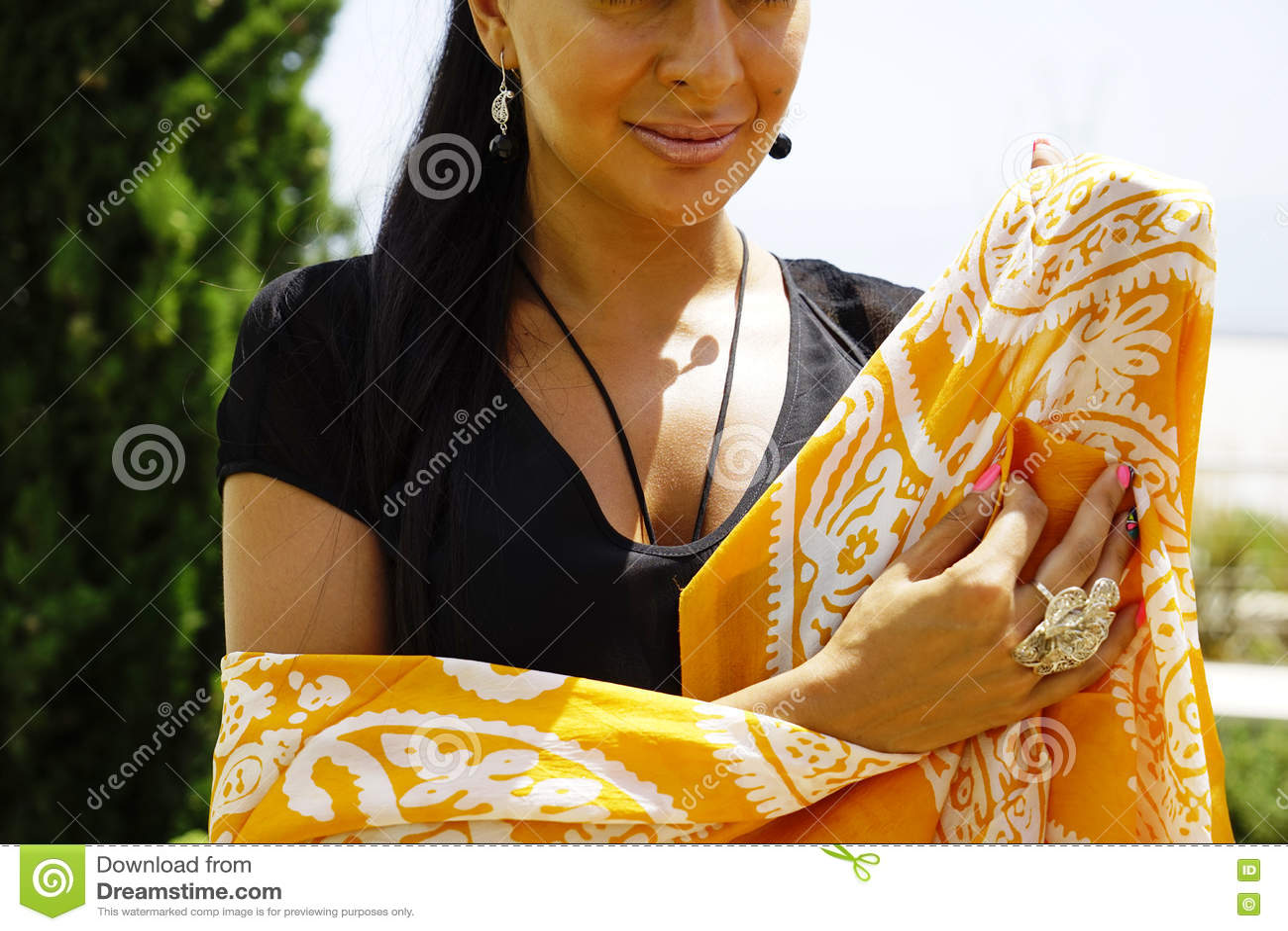 Ostfrauenporträt Der Schönen Mode Asiatisches Mädchen In Einem ...