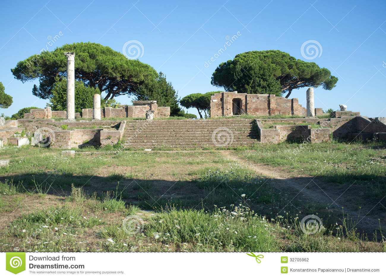 Ostia antica in rome stock photography image 32705962 for Mr arredamenti ostia antica