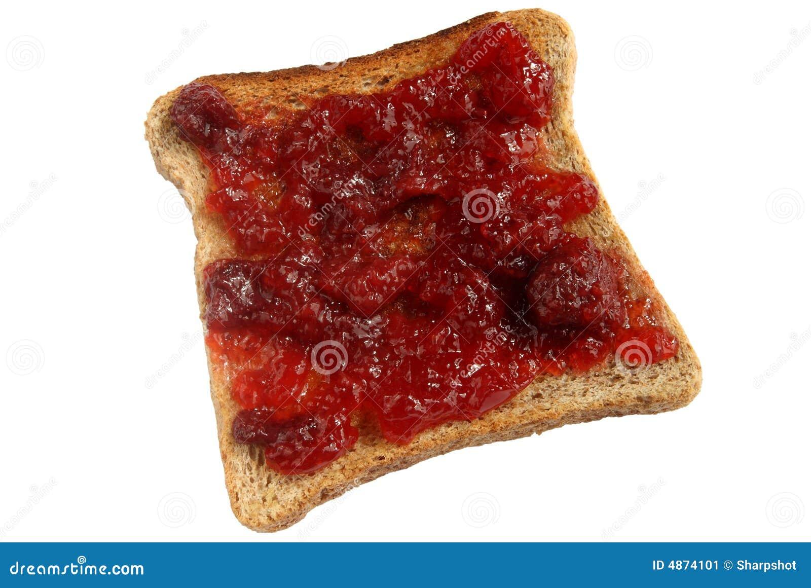 Ostruzione di fragola spanta su pane tostato.