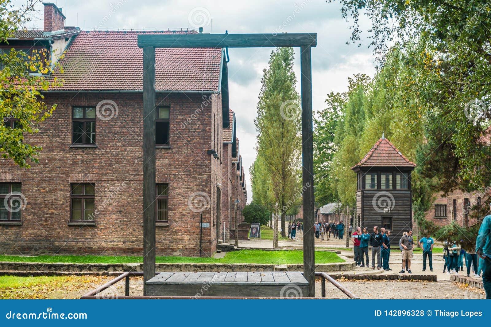 Oswiencim, Polonia - 21 settembre 2019: Piattaforma dove era nel 1947 Rudolf Hoss appeso, il comandante di esecuzione del