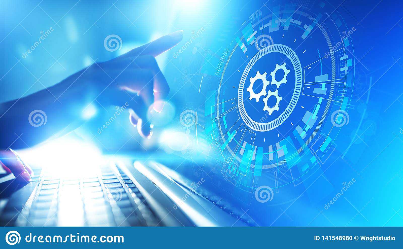 Otimização dos trabalhos da automatização, do negócio e do processo industrial, conceito da programação de software na tela virtu