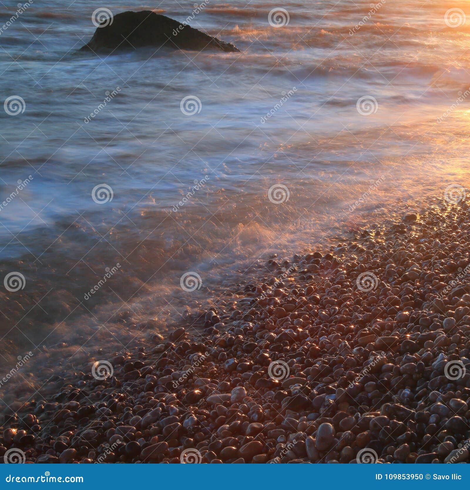 Otoczak plaża na Jurajskim wybrzeżu w Devon