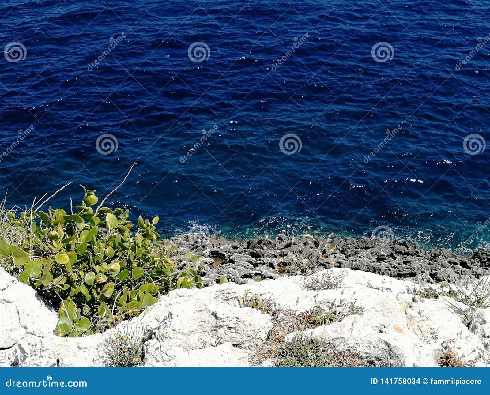 Otranto& x27; s Adriatische overzees
