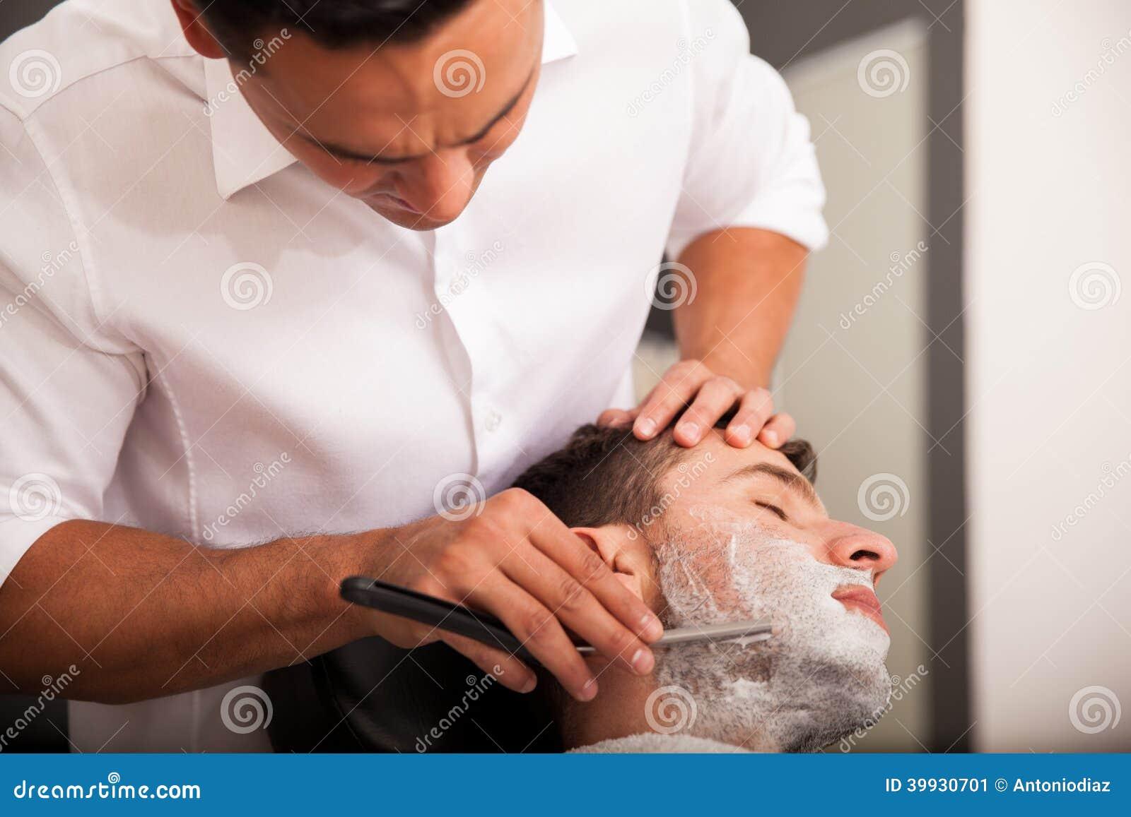 Ottenendo la mia barba rasa