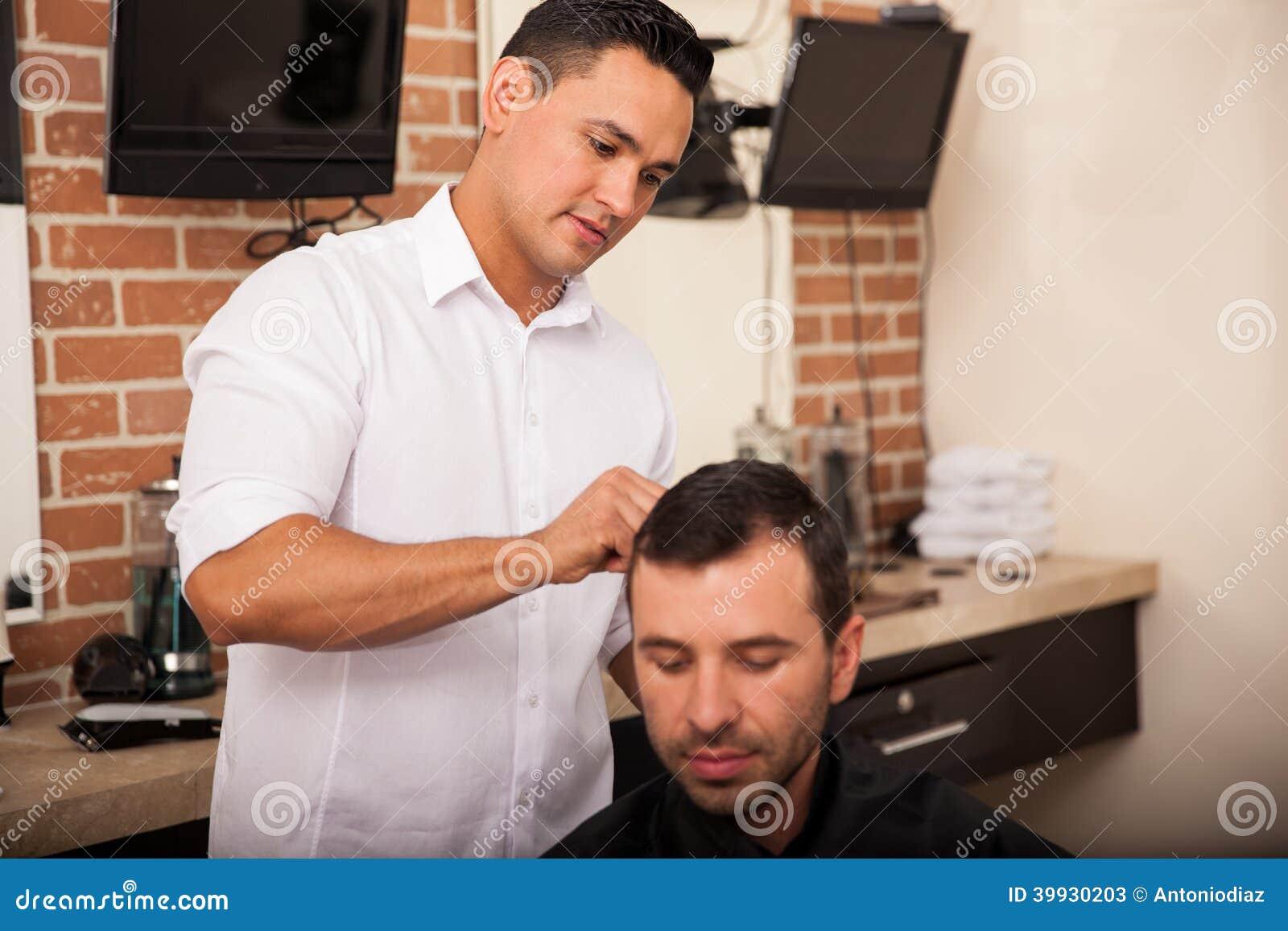 Ottenendo un taglio di capelli dal mio barbiere