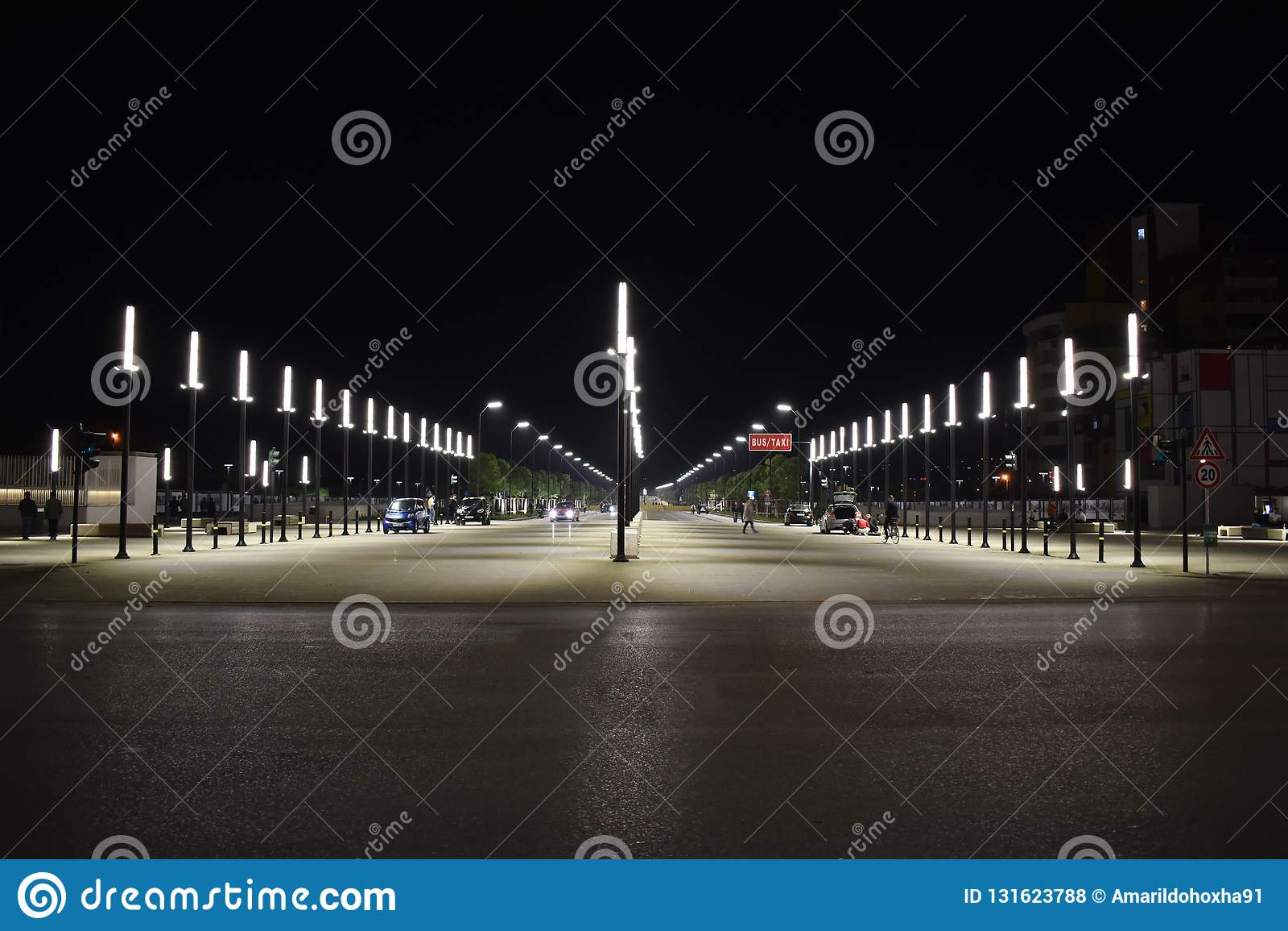 Ottobre 2018 - Tirana, Albania Il nuovo boulevard recentemente costruito di Tirana