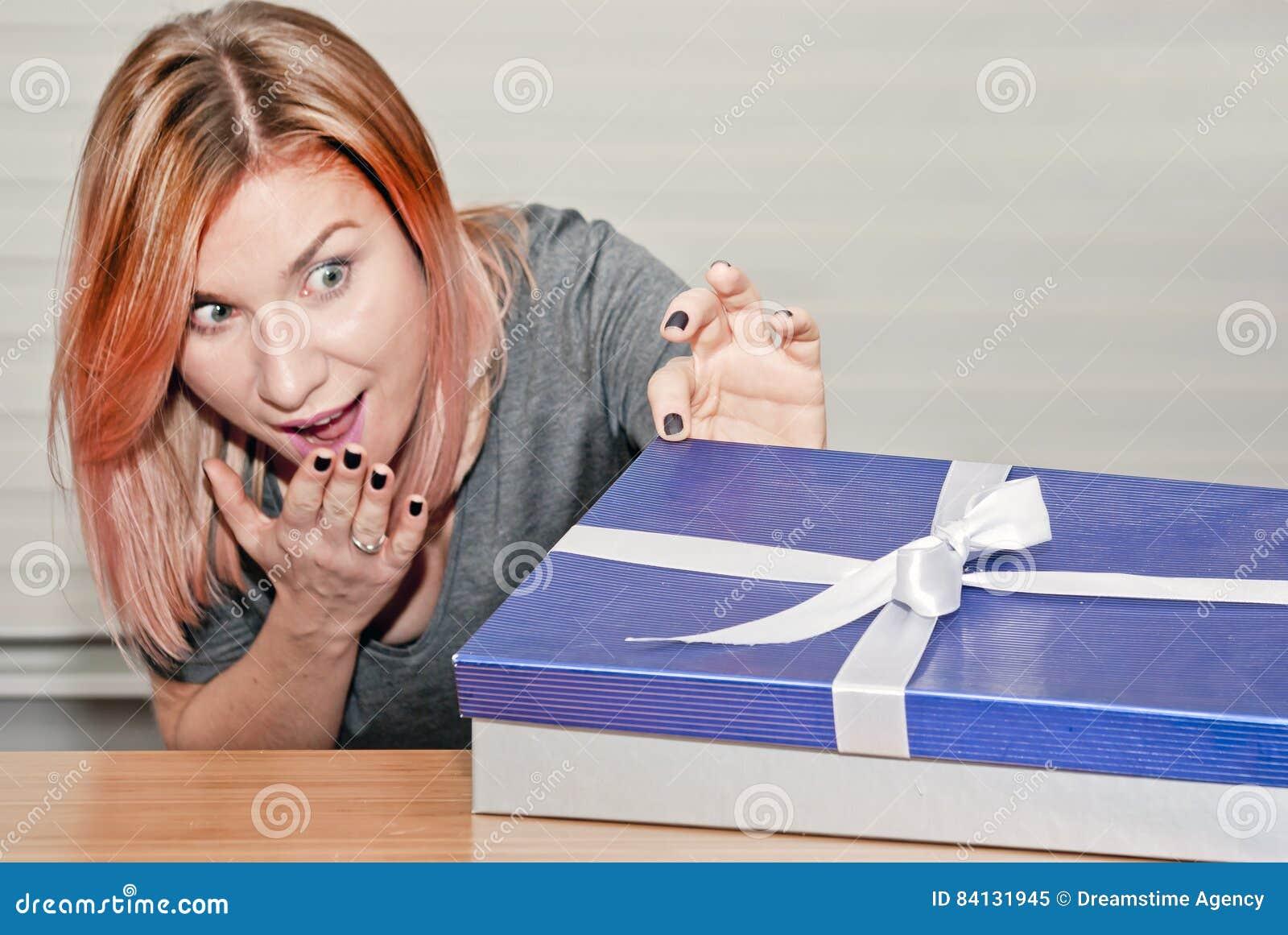 Otwarcie prezent