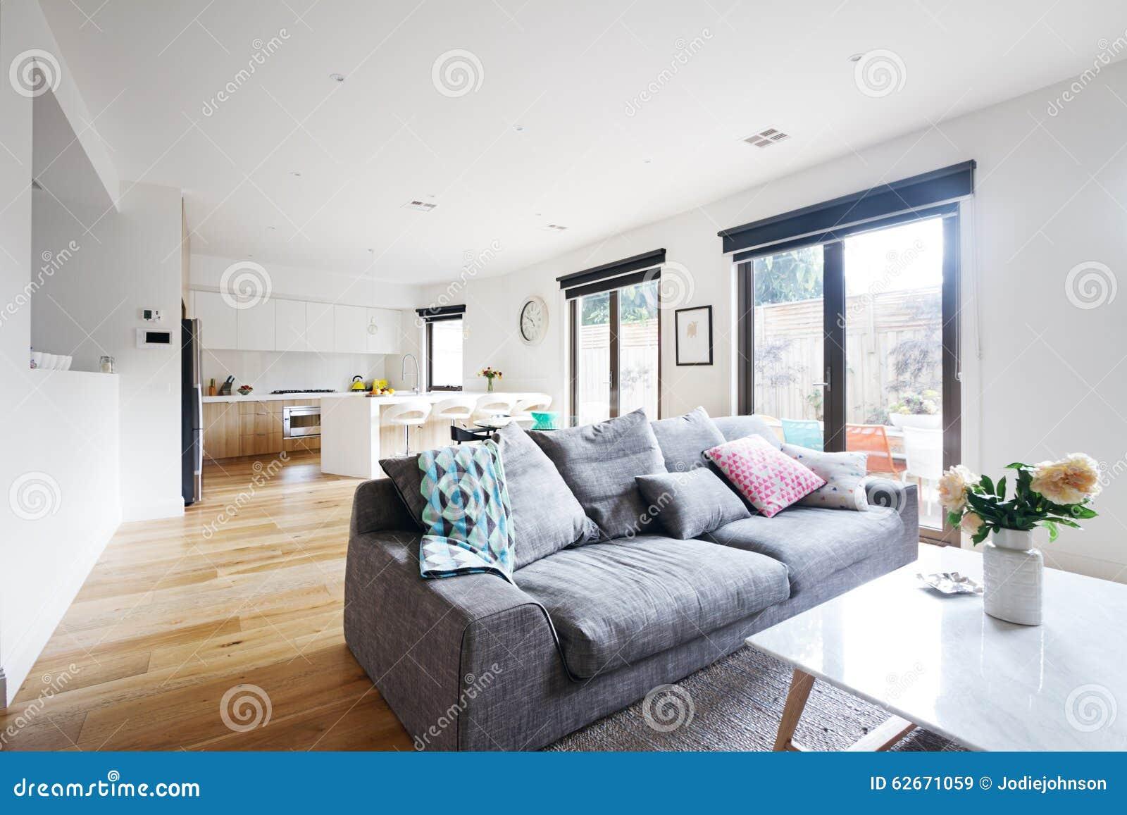 Otwartego planu rówieśnika żywy izbowy kuchenny dom