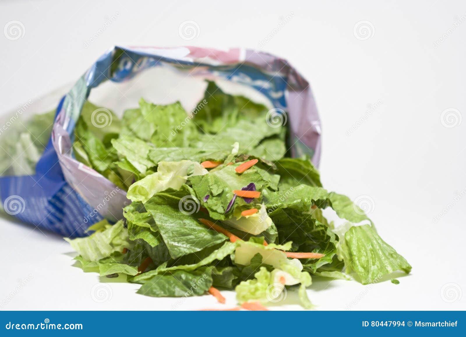 Otwiera torbę sałatka