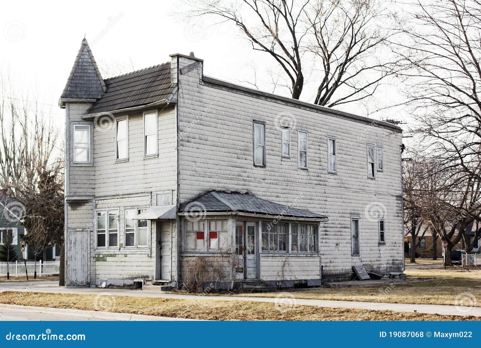 Oud amerikaans huis royalty vrije stock foto 39 s afbeelding 19087068 - Verlenging hout oud huis ...