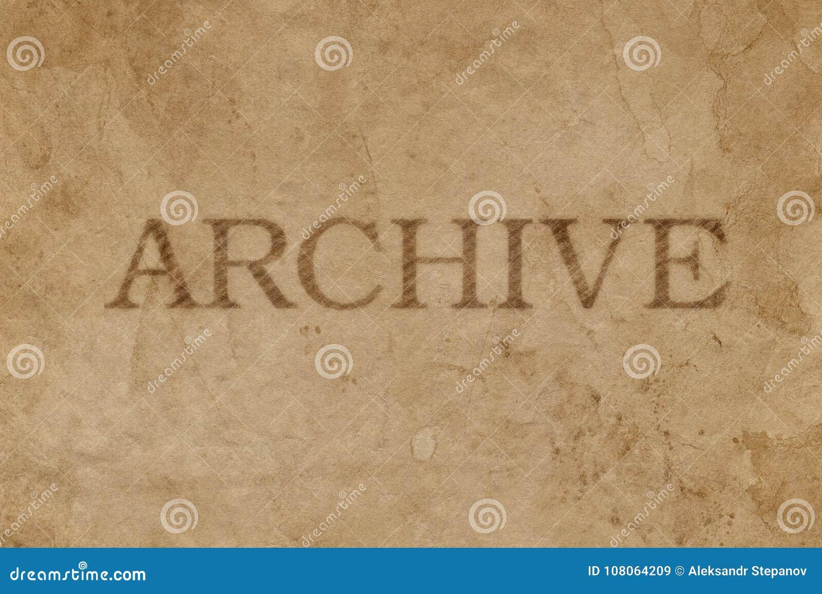 Oud bevlekt pakpapier met de afdruk van de ARCHIEFzegel
