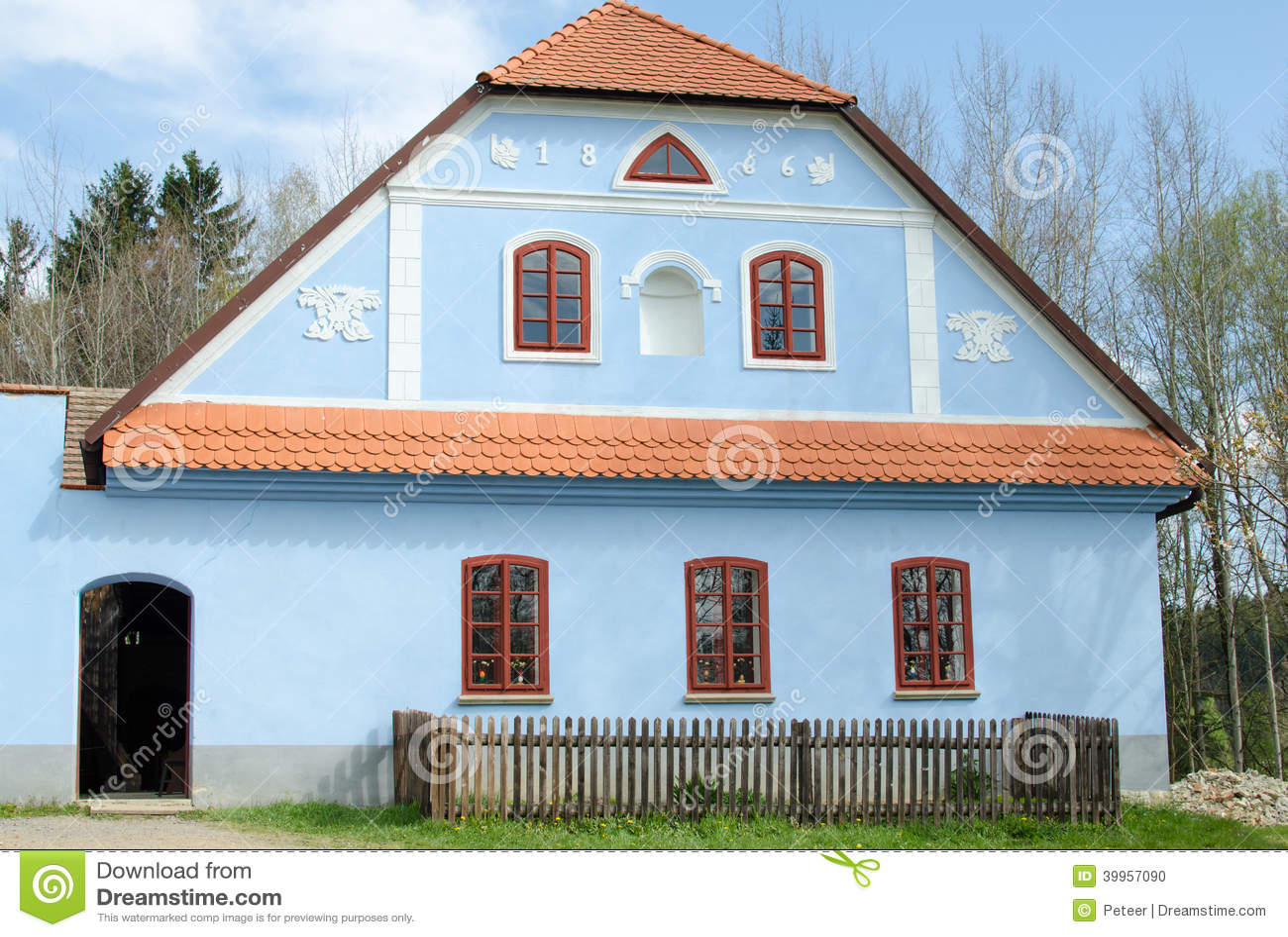 Oud blauw huis stock foto afbeelding 39957090 - Huis verlenging oud huis ...