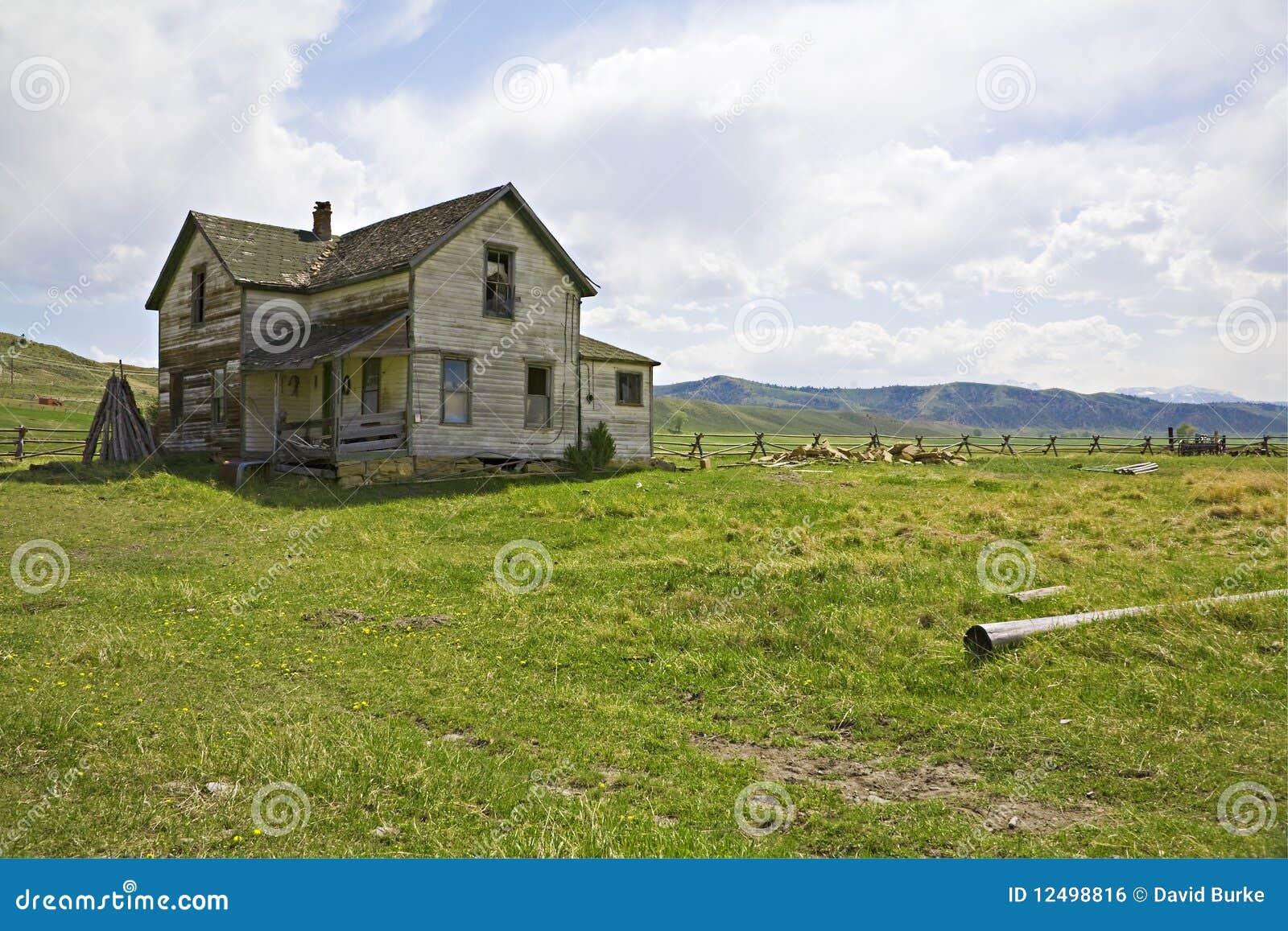 Oud boerderijhuis in de uitlopers
