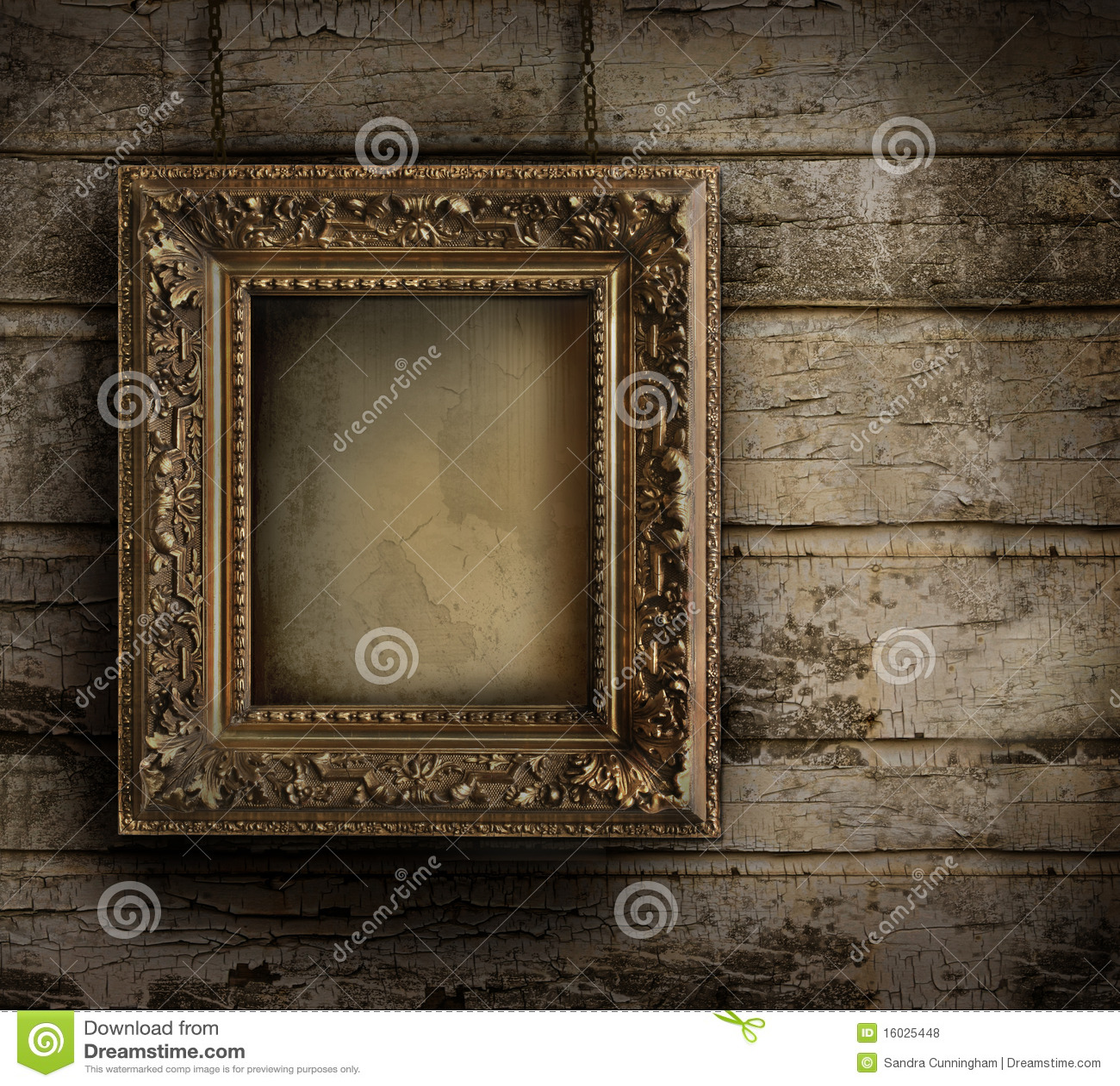 Oud frame tegen een geschilderde muur