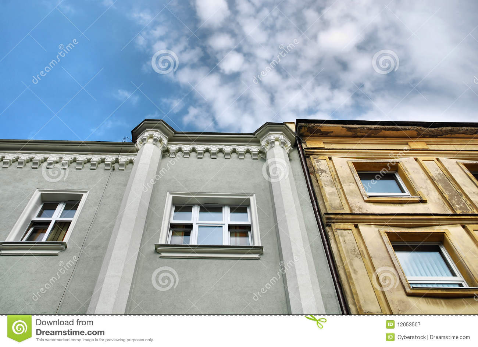 Oud huis stock afbeelding afbeelding bestaande uit poetsmiddel 12053507 - Oud huis ...