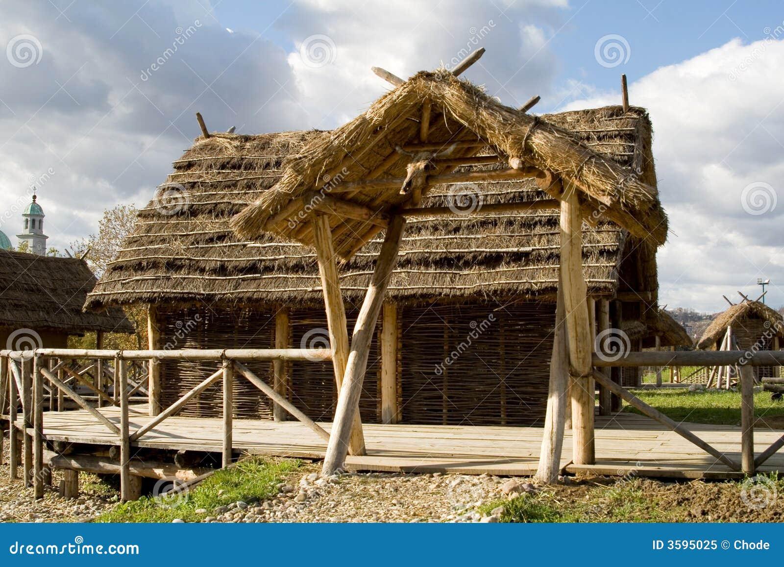 Oud huis stock afbeelding afbeelding bestaande uit traditioneel 3595025 - Oud huis ...